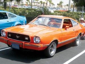 1974_mustang_hatchback_orange_001